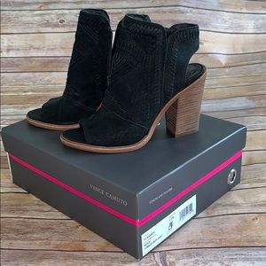 Vince Camuto black stacked heel shoes